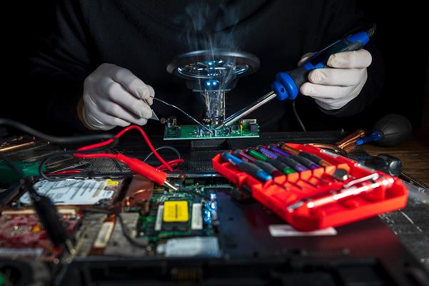 PCB hand soldering